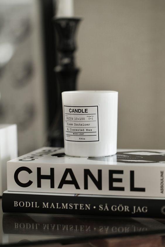 livre mode et designers the everyday luxury. Black Bedroom Furniture Sets. Home Design Ideas