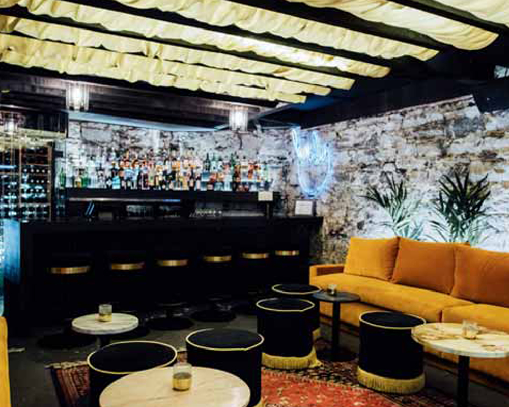 eed0efda824 3 Montreal bars with awesome interiors