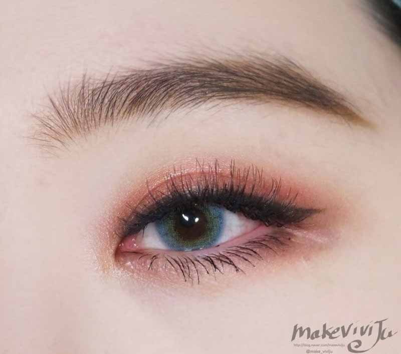 Red_orange-eyeshadow-makeup-asia