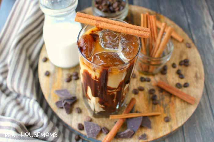 Cinnamon-Mocha-Iced-Coffee-REAL-HOUSEMOMS
