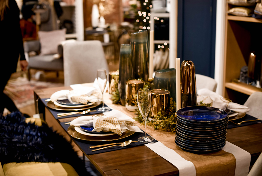 west-elm-holidays-decor-home-table