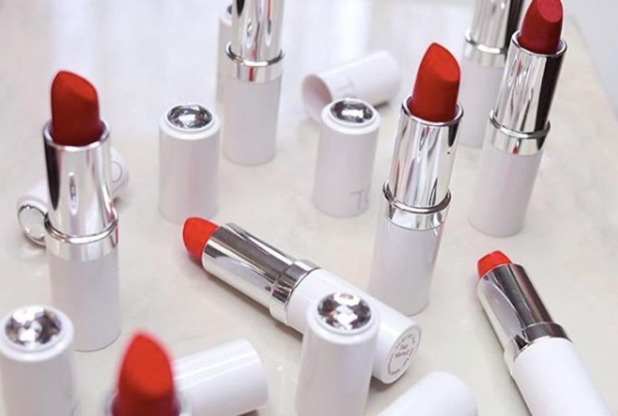 ton-cosmetics-makeup-montreal-brand-entrepreneurs