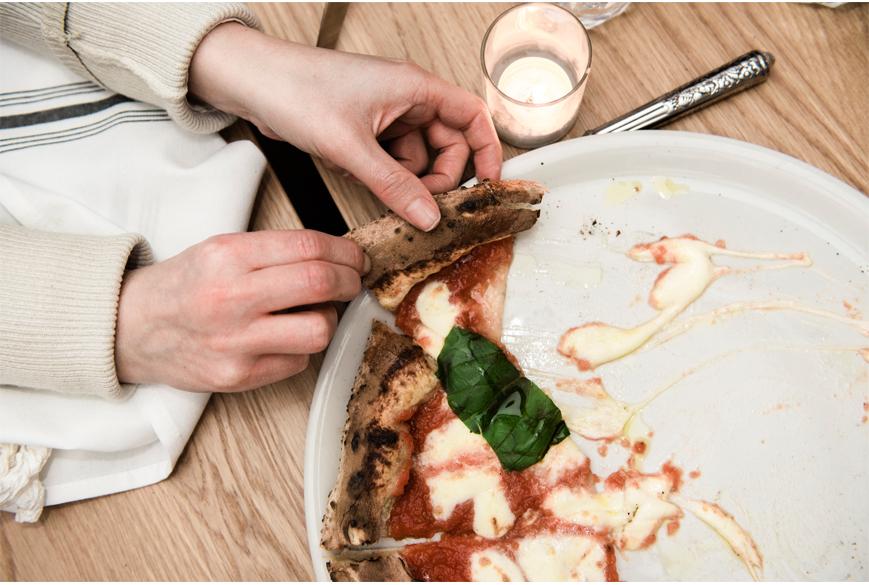 pizza-prosecco-italian-monteral