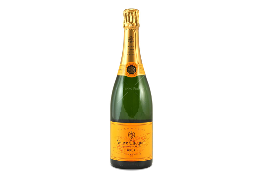 veuve-clicquot-champagne-holidays