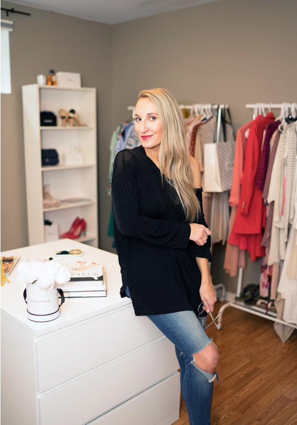 walkin-closet-canadian-blogger-caroline-elie-style